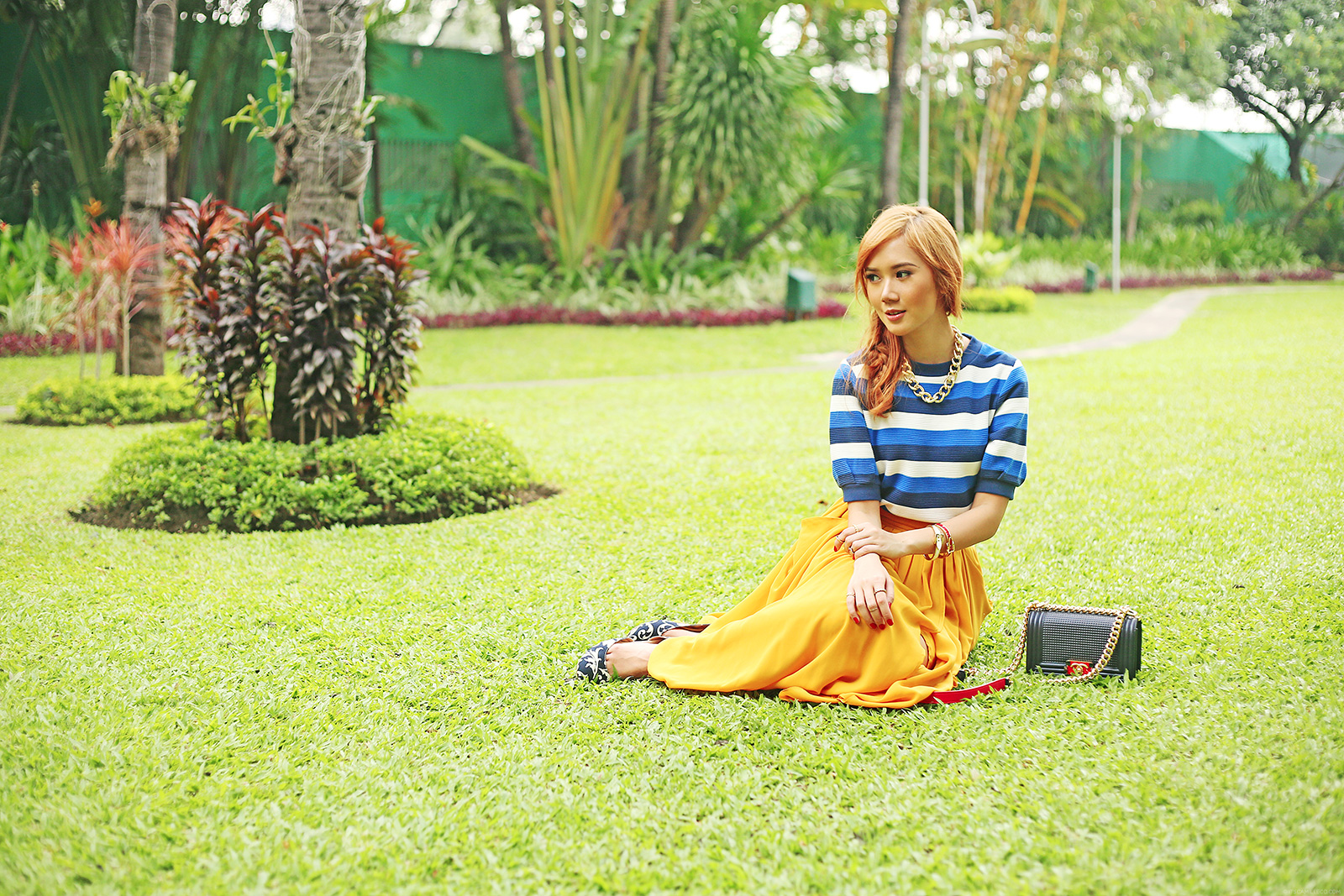 Moussy top and H&M skirt on www.itscamilleco.com