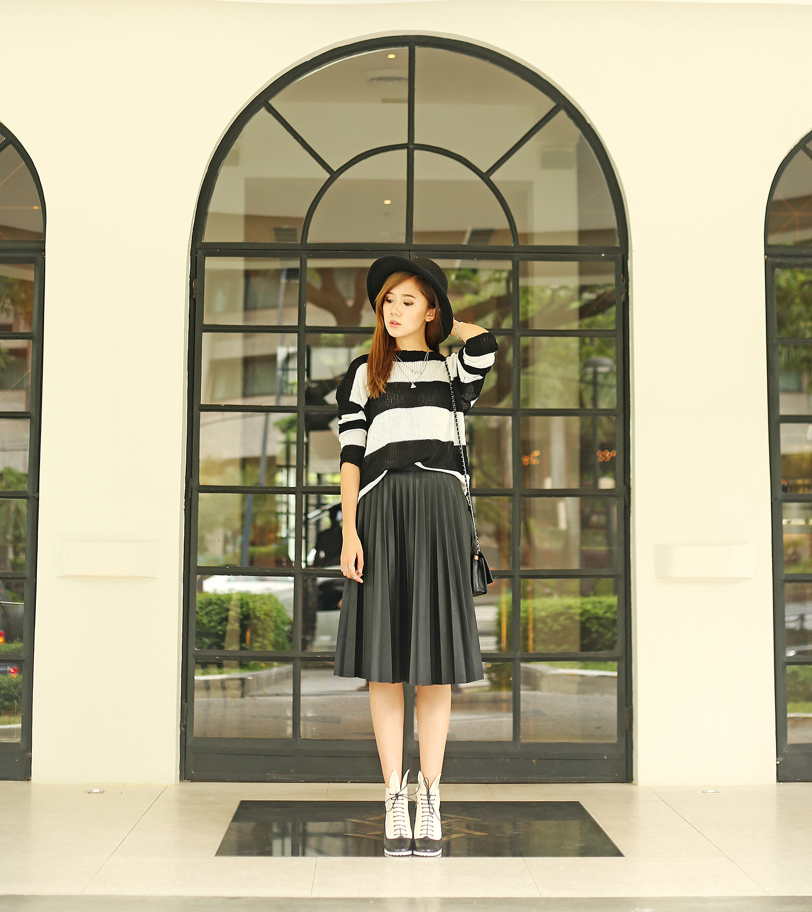 Monochrome Outfit Featuring Minna Parikka, Givenchy, Topshop | www.itscamilleco.com