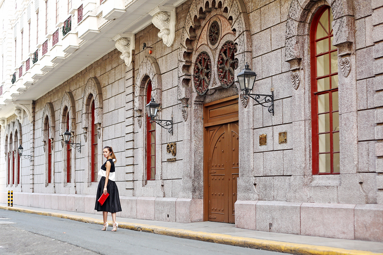 Black And White Elegance At Intramuros