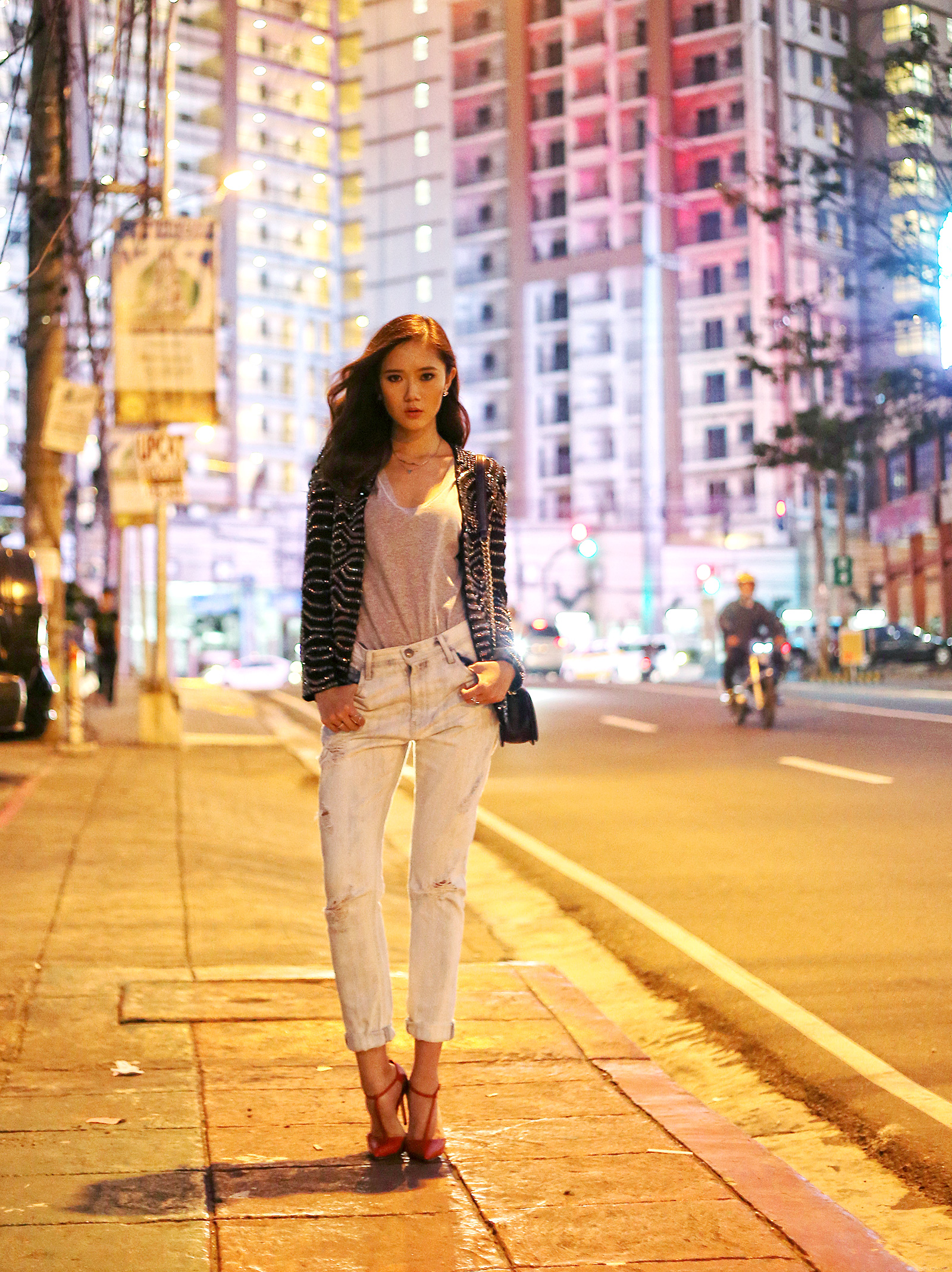 Choies blazer, H&M top, Moussy pants, Gucci heels, Chanel boy | www.itscamilleco.com