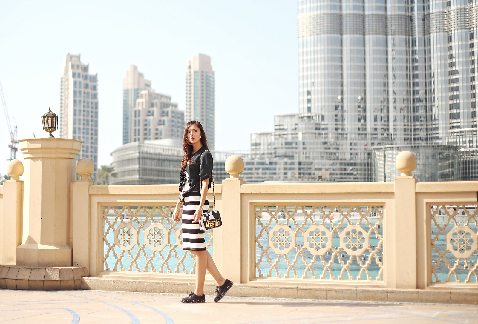 H&M Top, Details Skirt, Moschino bag, Keds shoes at Dubai Mall | www.itscamilleco.com