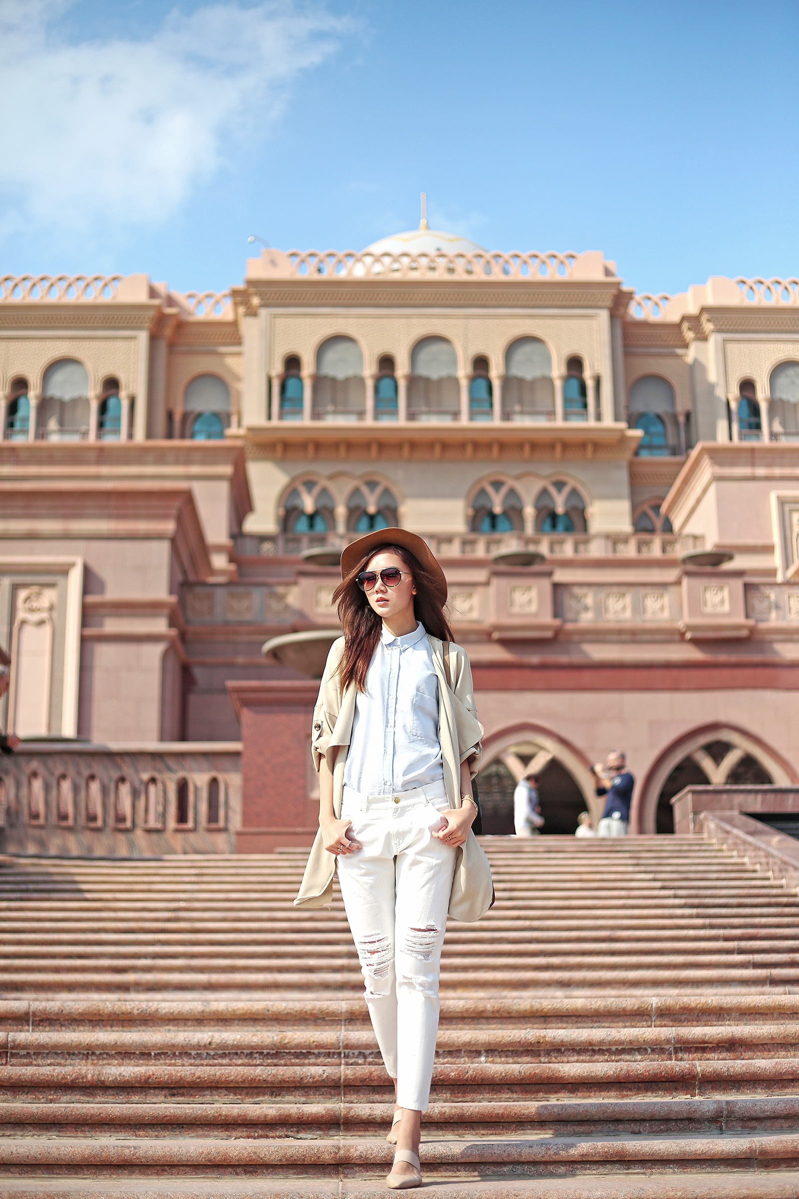 Emirates Palace Hotel, Abu Dhabi Private Tour | www.itscamilleco.com