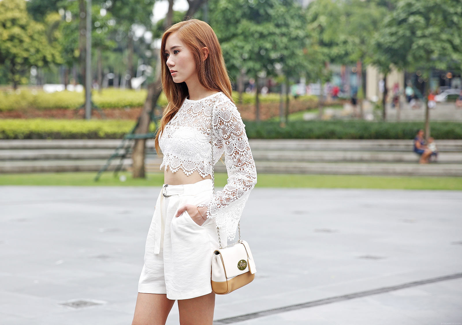 Lalaland Fashion lace top, Mango shorts, Asos heels, Mulberry bag | www.itscamilleco.com