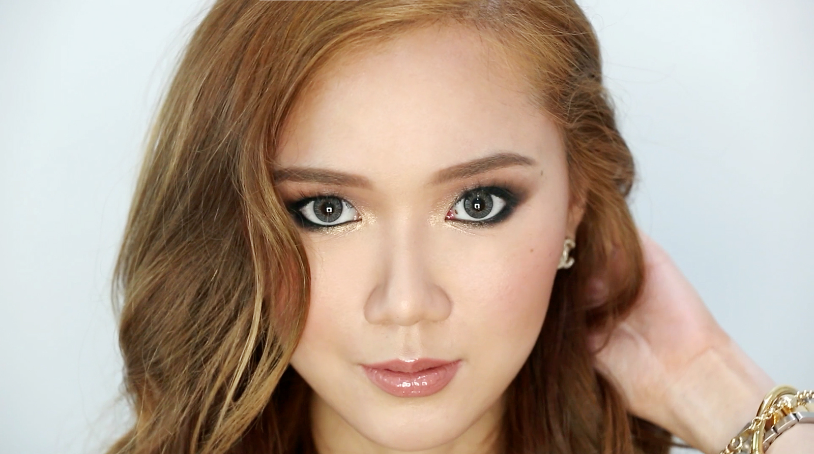 Day To Night Smokey Eye Makeup Tutorial - www.itscamilleco.com