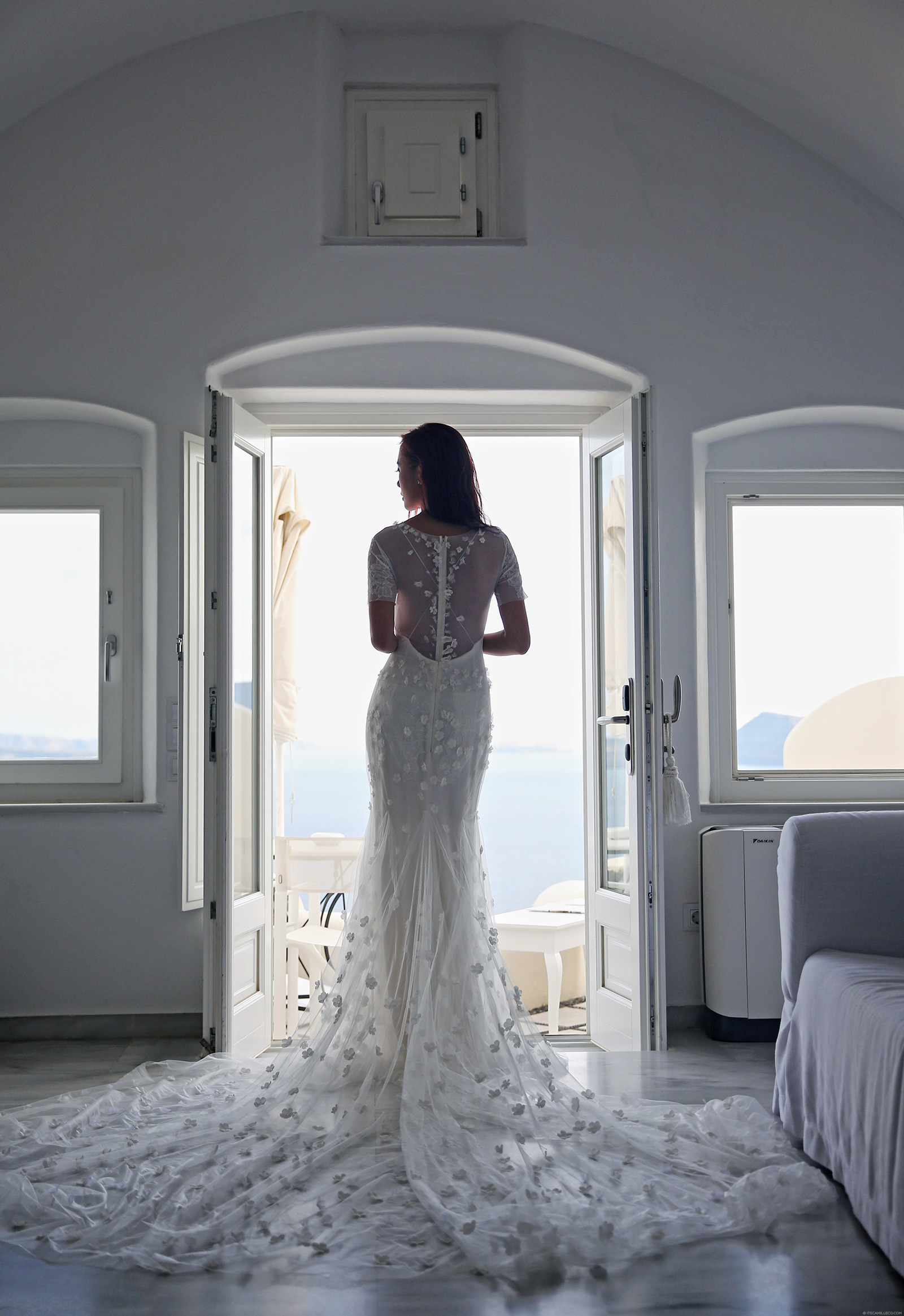 Vera Wang Bridal Gown - www.itscamilleco.com