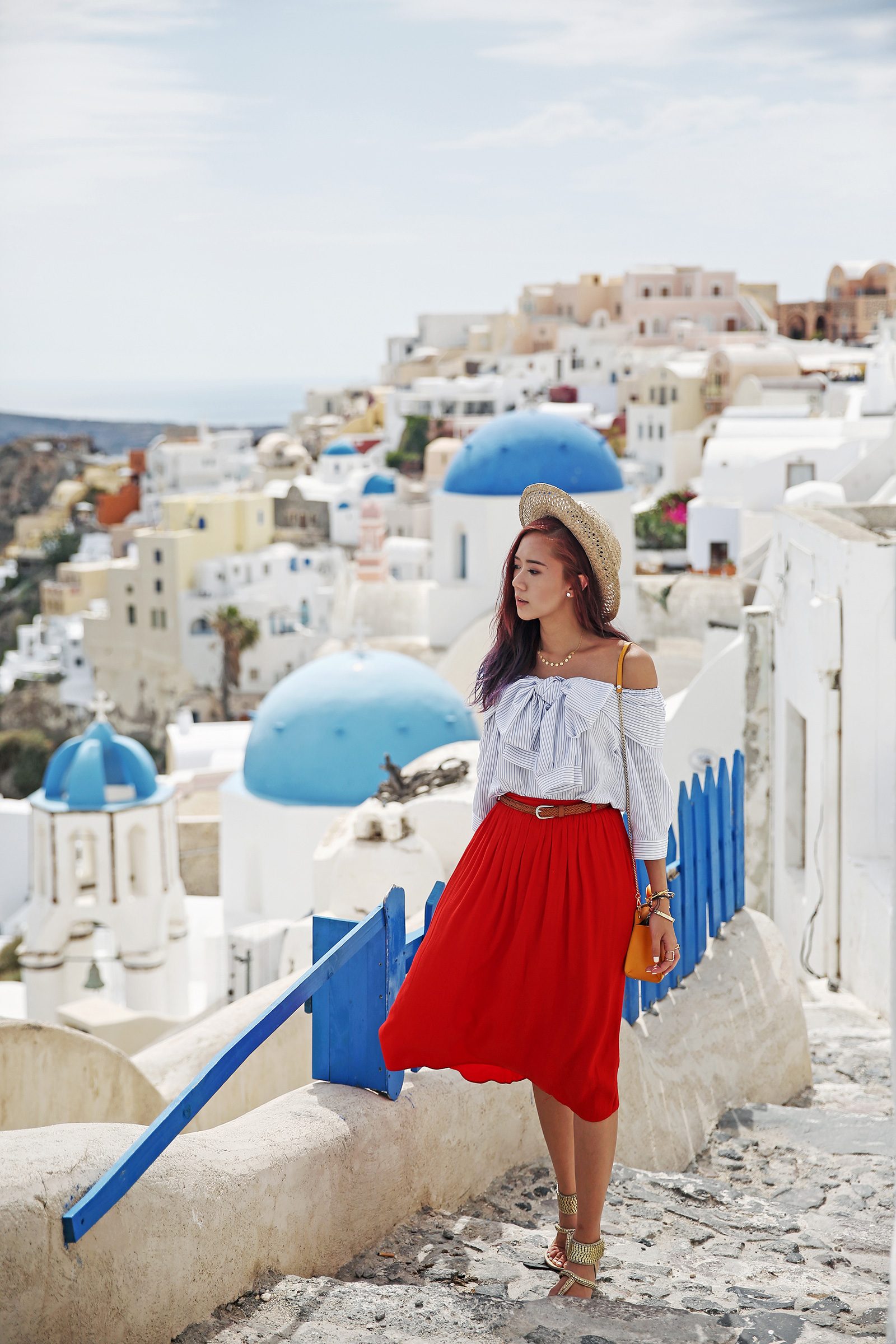 Storets fashion at Oia, Santorini - www.itscamilleco.com